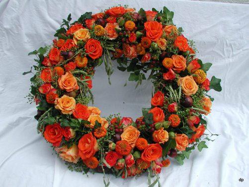 Blütenkranz in Orange
