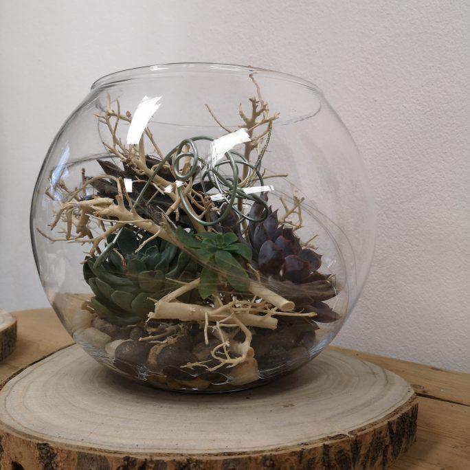 Floral gestaltete Glaskugel